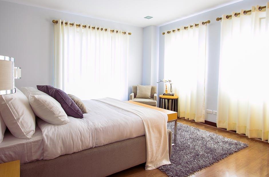 Inredningstips till sovrummet för bättre sinnesro